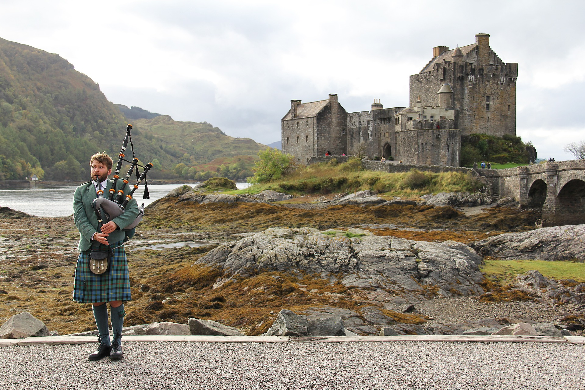 bagpipes-3031448_1920